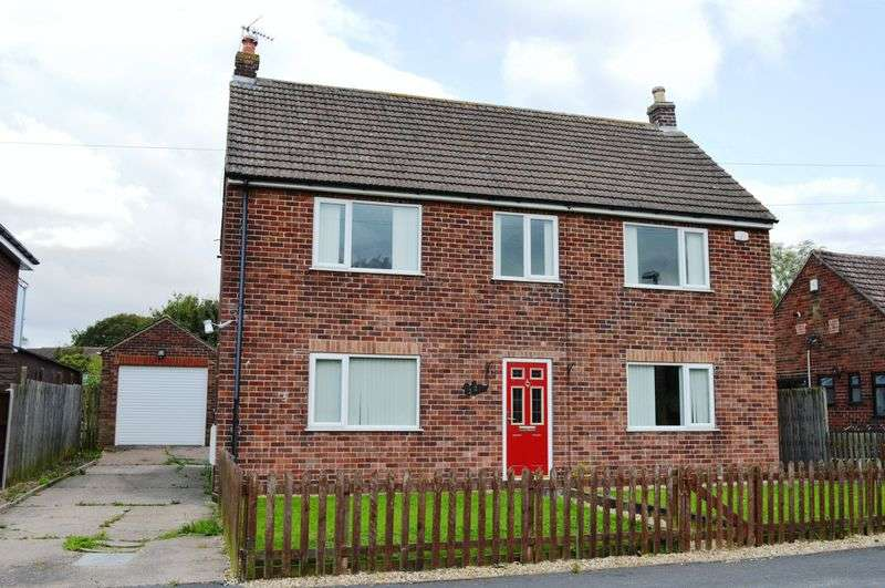 3 Bedrooms Detached House for sale in Manley Gardens, Brigg