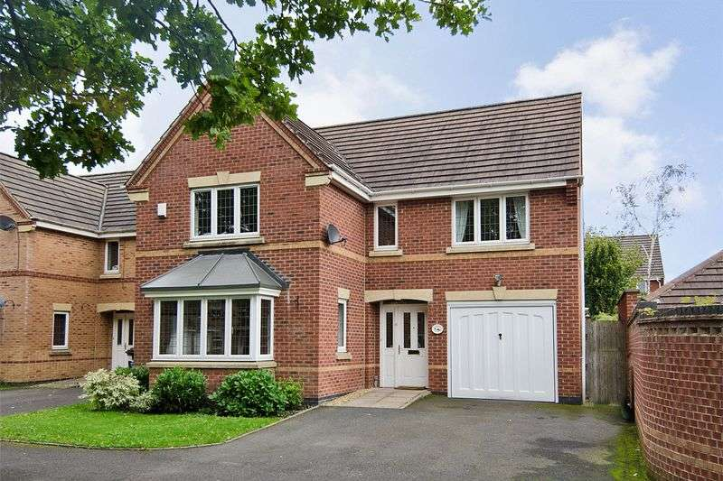 4 Bedrooms Detached House for sale in Curlew Drive, Brownhills
