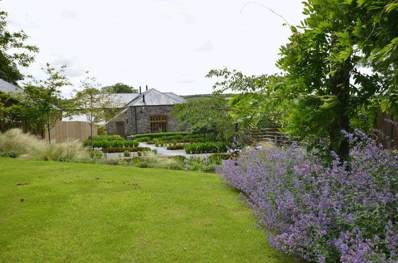 3 Bedrooms Terraced House for sale in Week, Tavistock