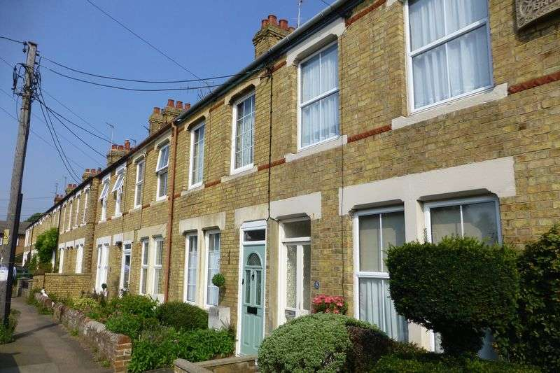 3 Bedrooms Terraced House for sale in Newport Terrace, Bicester - NO ONWARD CHAIN