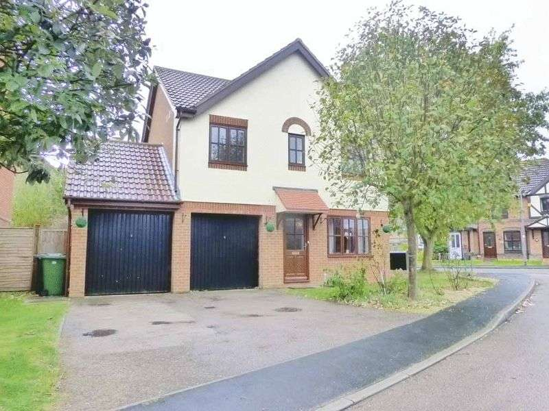 4 Bedrooms Detached House for sale in Caister-on-Sea