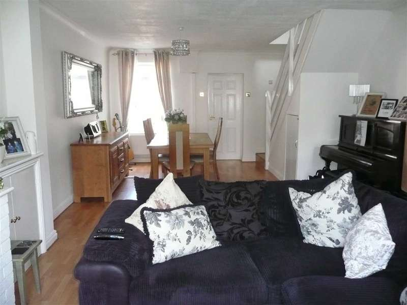 2 Bedrooms Terraced House for sale in Hughes Street, Rodbourne, Swindon