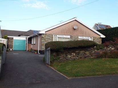 3 Bedrooms Bungalow for sale in Bodmin, Cornwall, England