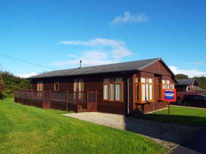 3 Bedrooms Bungalow for sale in Polperro Road, Looe, Cornwall
