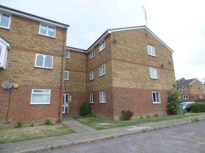 2 Bedrooms Flat for sale in Rainham, Essex, .