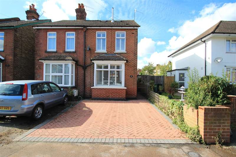 3 Bedrooms Property for sale in Emlyn Road, Redhill