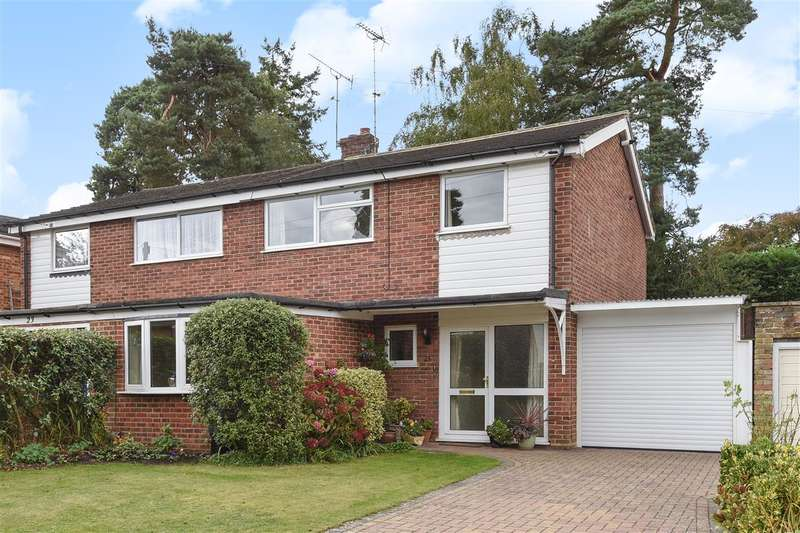3 Bedrooms Semi Detached House for sale in Corsham Way, Crowthorne