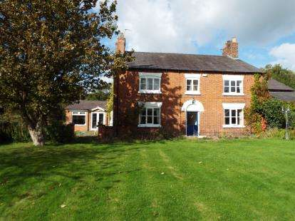 6 Bedrooms Detached House for sale in Middlewich Road, Bradfield Green, Crewe, Cheshire