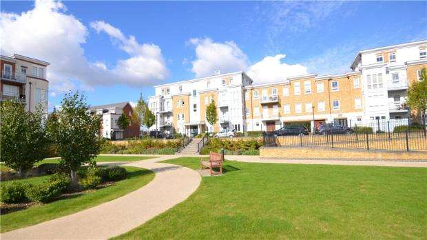 2 Bedrooms Apartment Flat for sale in Moorland Place, 31 Kingfisher Drive, Maidenhead