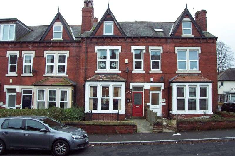 8 Bedrooms Terraced House for sale in Estcourt Terrace, Leeds