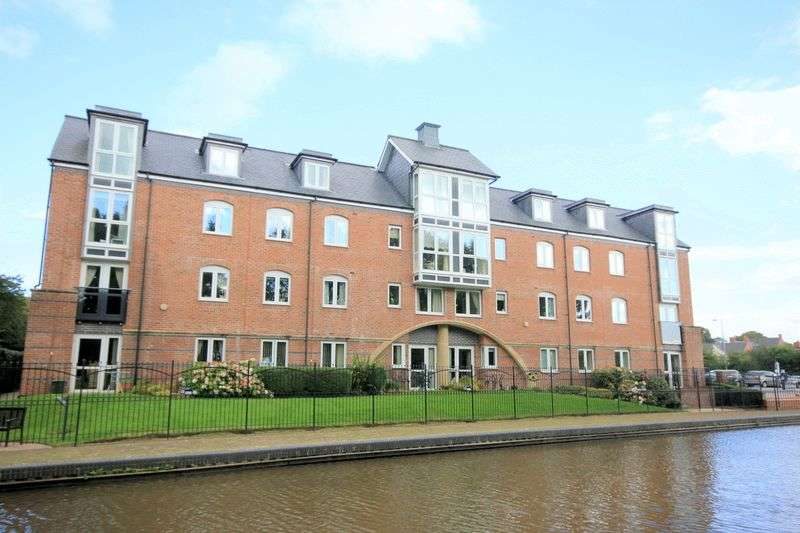 2 Bedrooms Flat for sale in Crown Street, Stone