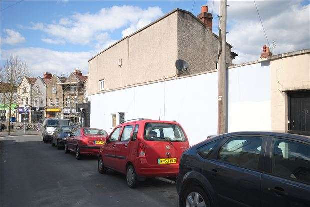 3 Bedrooms Maisonette Flat for sale in North Street, Bedminster, Bristol, BS3 1JQ