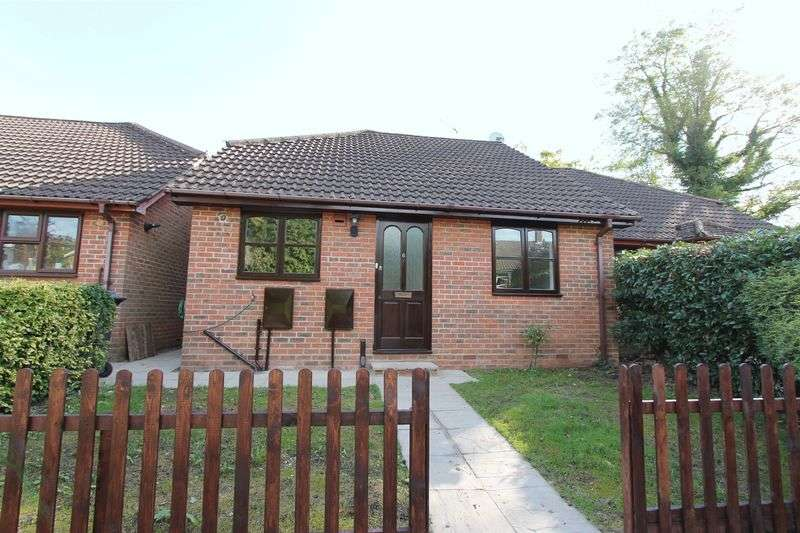 2 Bedrooms Semi Detached Bungalow for sale in Witley