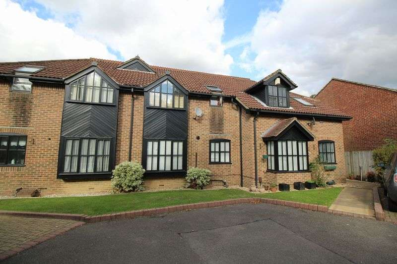 2 Bedrooms Flat for sale in Northgate, Crawley