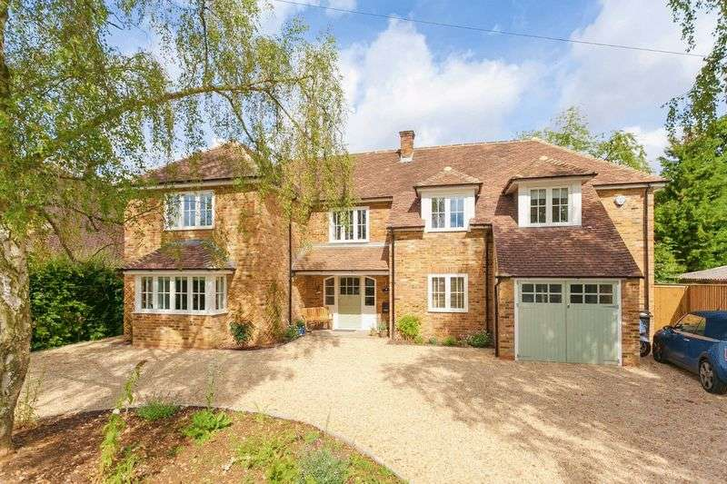 5 Bedrooms Detached House for sale in Seer Green