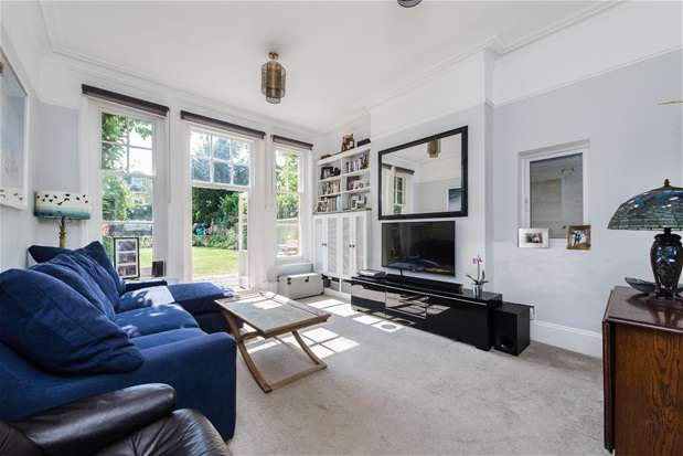 2 Bedrooms Flat for sale in Thurlow Park Road, Dulwich