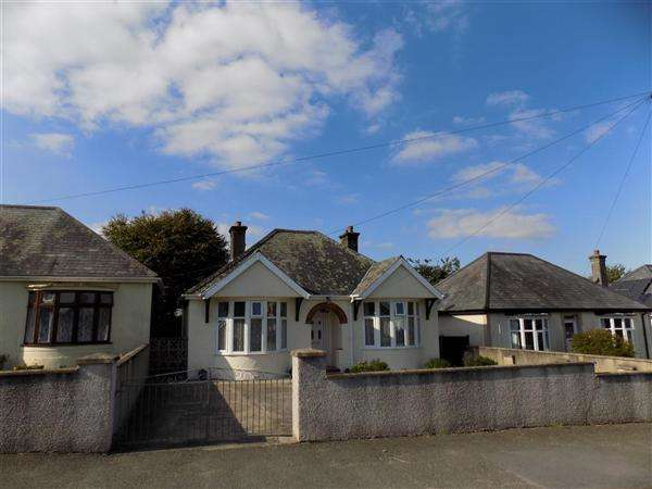 3 Bedrooms Bungalow for sale in Pembroke Road, Haverfordwest