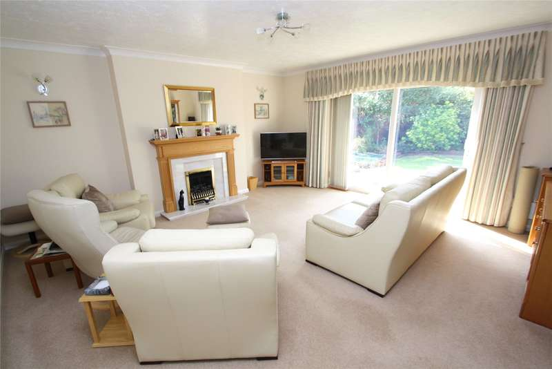 3 Bedrooms Detached Bungalow for sale in Cheviot Close, Worthing, West Sussex, BN13