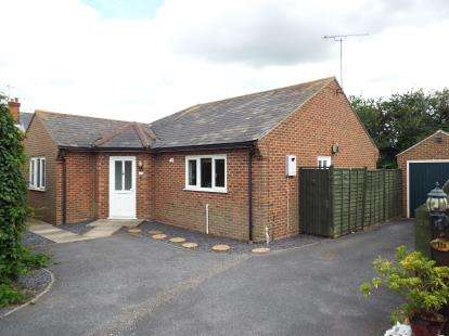 2 Bedrooms Bungalow for sale in Great Totham, Maldon, Essex