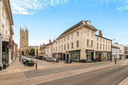 1 Bedroom Flat for sale in Church Street, Warwick, Warwickshire, .