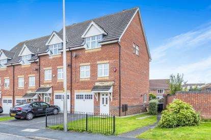 3 Bedrooms End Of Terrace House for sale in Rolls Avenue, Crewe, Cheshire