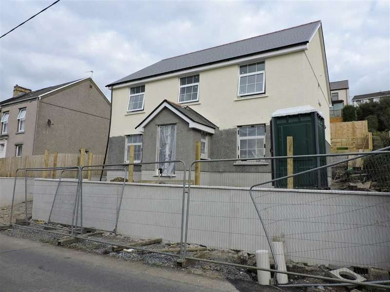4 Bedrooms Property for sale in Goppa Road, Pontarddulais, Swansea