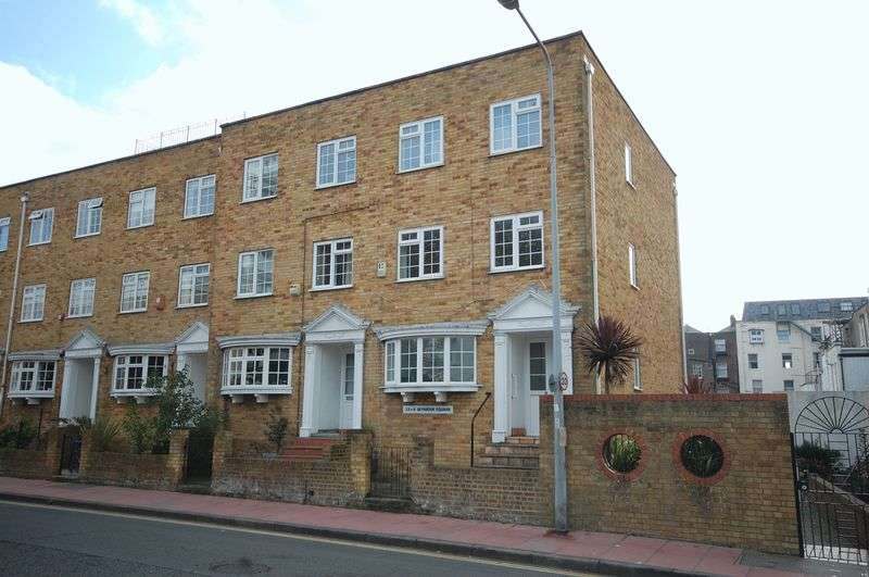 3 Bedrooms Property for sale in Seymour Square, Brighton