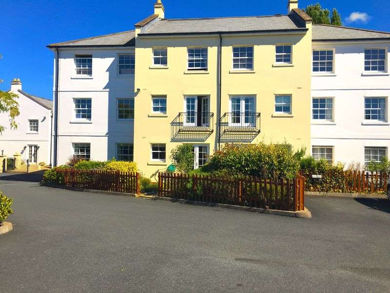 2 Bedrooms Flat for sale in Jubilee Court Commercial Street, Cheltenham: Two bed first floor retirement apartment