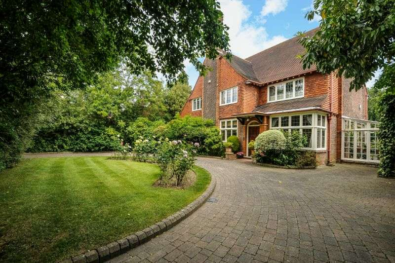 7 Bedrooms Detached House for sale in Eastbury Road, Northwood, Middlesex HA6 3AL