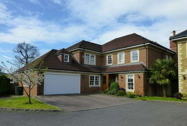 6 Bedrooms Detached House for sale in St. Martins, Batchworth Lane, Northwood