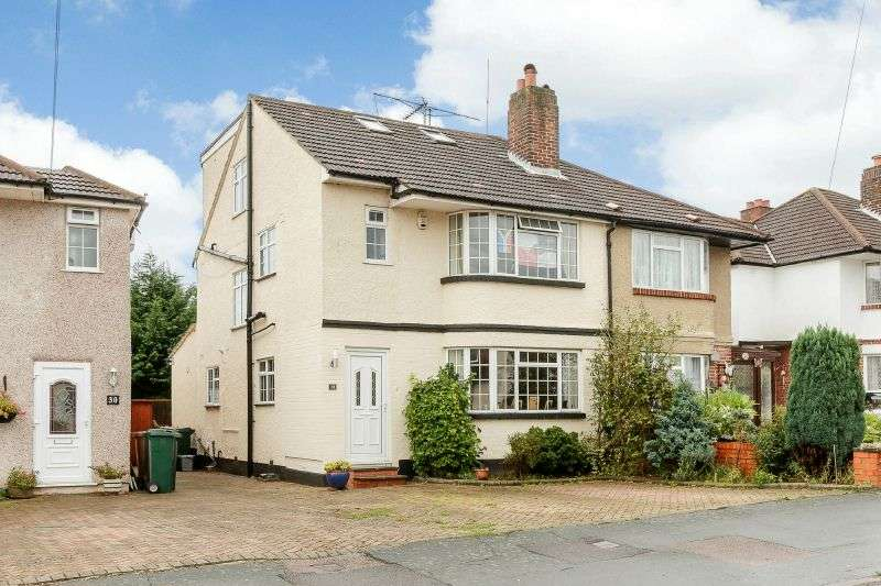 4 Bedrooms Semi Detached House for sale in Beechcroft Avenue, Croxley Green, Hertfordshire, WD3 3EQ