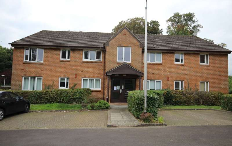 1 Bedroom Apartment Flat for sale in Tilebarn Close, Henley-On-Thames, RG9
