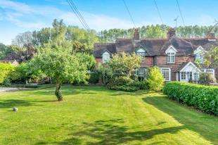 4 Bedrooms End Of Terrace House for sale in Woodland Cottages, Highsted Valley, Rodmersham, Sittingbourne