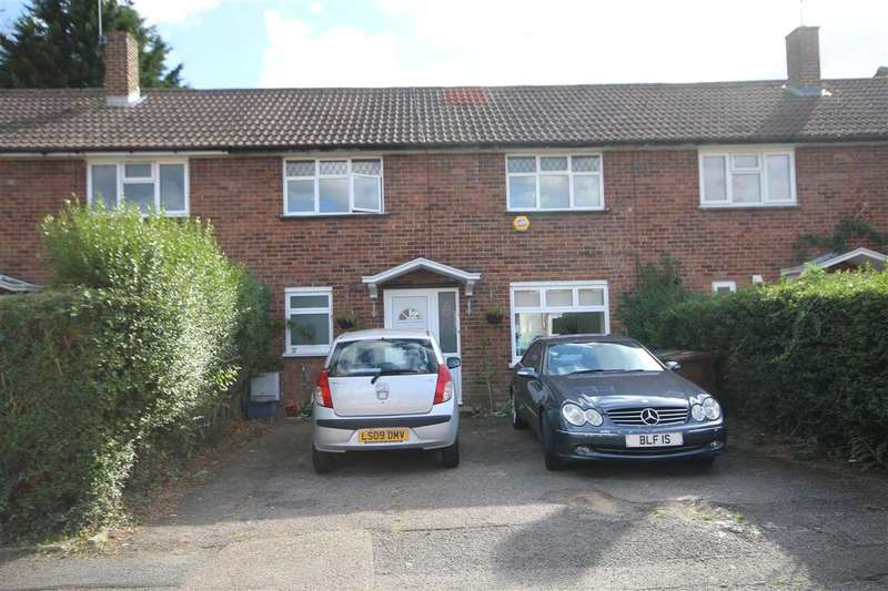 3 Bedrooms House for sale in Mendip Road, Bushey, WD23.