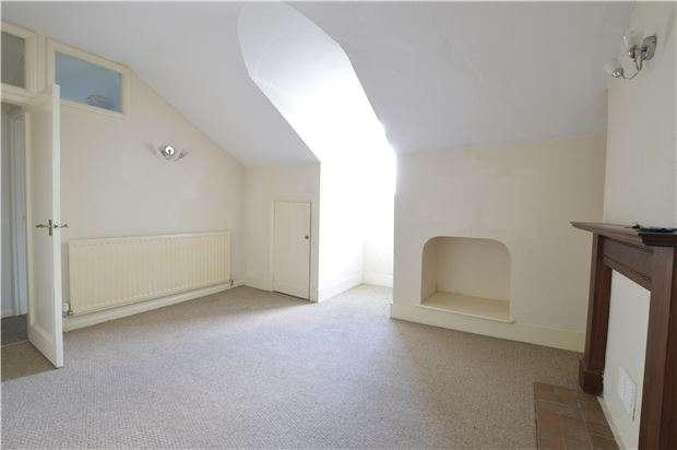 1 Bedroom Flat for sale in Cornwallis Gardens, HASTINGS, East Sussex, TN34 1LR