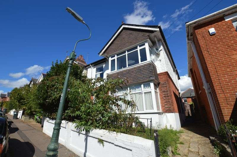 2 Bedrooms Flat for sale in Acland Road, Charminster, Bournemouth