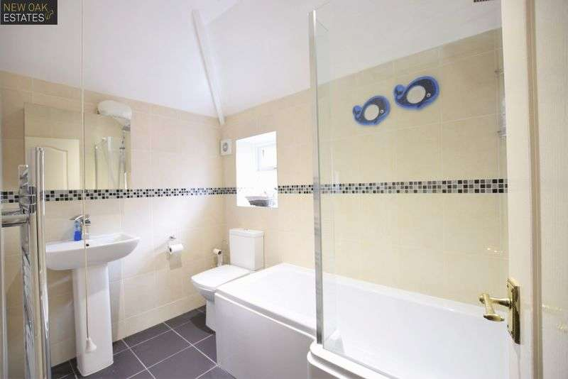 3 Bedrooms Semi Detached House for sale in Spital Lane, Chesterfield