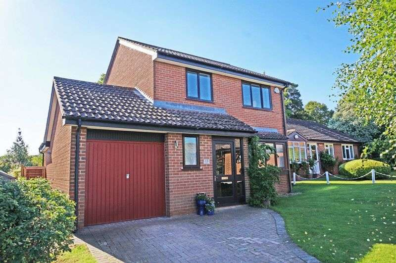 3 Bedrooms Detached House for sale in Morgans Rise, Taunton