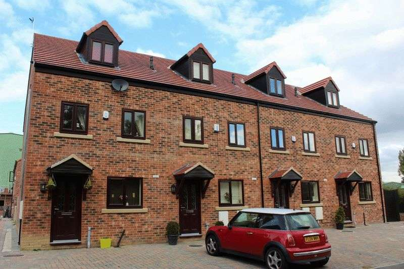 3 Bedrooms Mews House for sale in Wakefield Road, Hemsworth