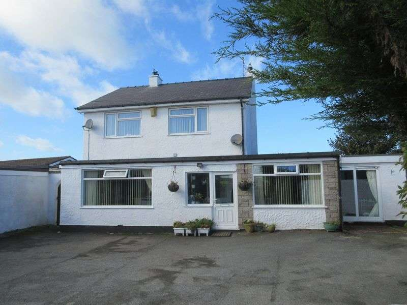4 Bedrooms Detached House for sale in Cemaes Bay