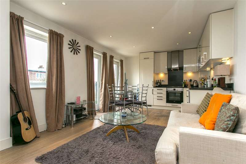 2 Bedrooms Flat for sale in Denning Mews, London, SW12