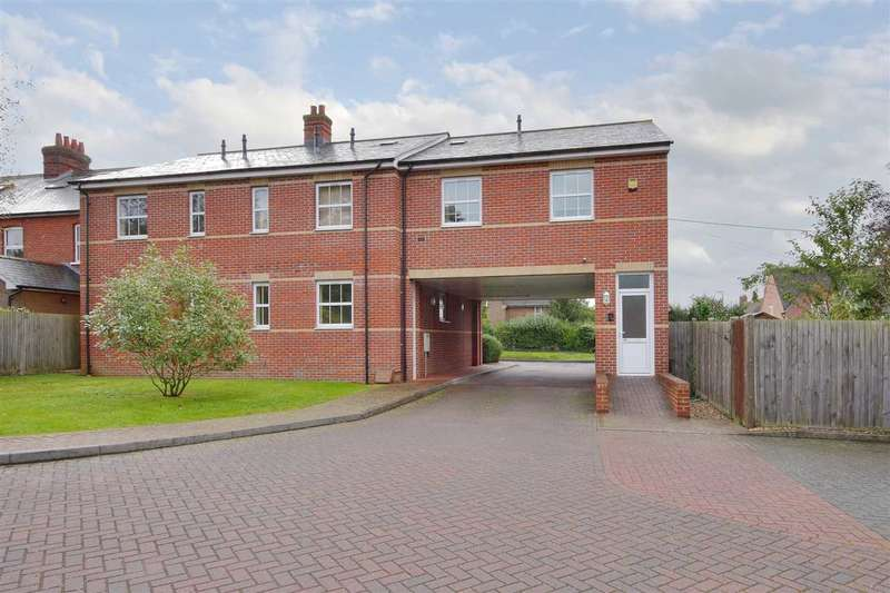 2 Bedrooms Apartment Flat for sale in Mansell Court, Whitchurch