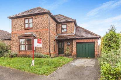 4 Bedrooms Detached House for sale in Station Drive, Ripon, North Yorkshire