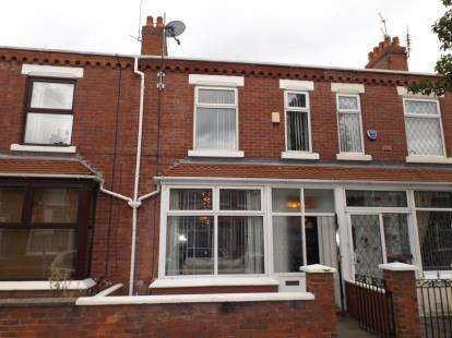 3 Bedrooms Terraced House for sale in Harcourt Street, Stretford, Manchester, Greater Manchester