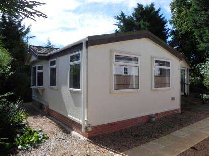 2 Bedrooms Mobile Home for sale in The Park, Ranksborough Hall, Langham, Oakham