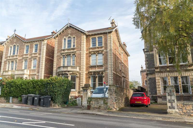 2 Bedrooms Flat for sale in Pembroke Road, Clifton