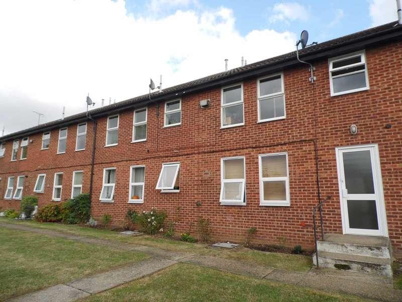 1 Bedroom Flat for sale in Avington Walk, Thundersley