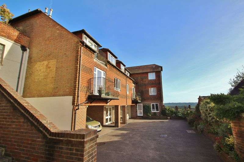 2 Bedrooms Flat for sale in Star Mews, High Street, Mayfield