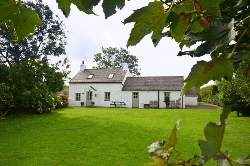2 Bedrooms Cottage House for sale in Tyn-Y-Gongl, Anglesey