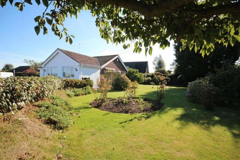 3 Bedrooms Detached Bungalow for sale in Heath Road, Hickling
